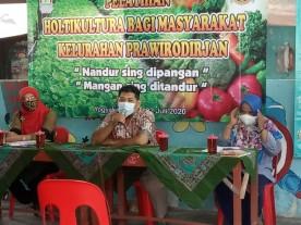 Pelatihan Holtikultura bagi masyarakat di Kelurahan Prawirodirjan